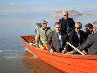 قایقسواری جهانگیری در دریاچه ارومیه +تصاویر
