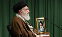 خاطره رهبری از عیادت امام خمینی(ره)