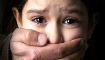 آزار دخترک ۸ساله و پسرک ۱۲ساله توسط نامادری