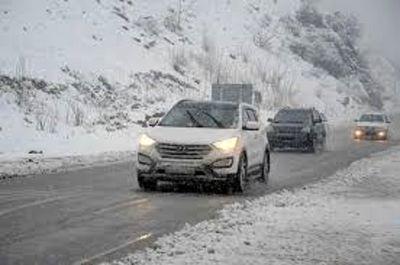 ترافیک در آزادراه کرج-تهران نیمهسنگین است