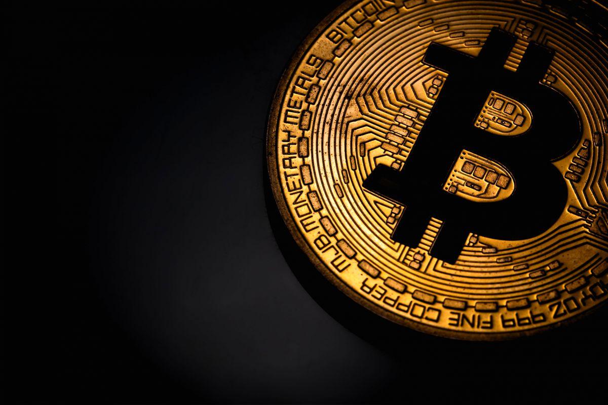 تحلیل وضعیت بیتکوین/ نبرد حیاتی رمزارز مشهور در کانال 9هزار دلار