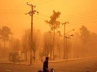 قطعی برق شهر نائین بر اثر طوفان شن