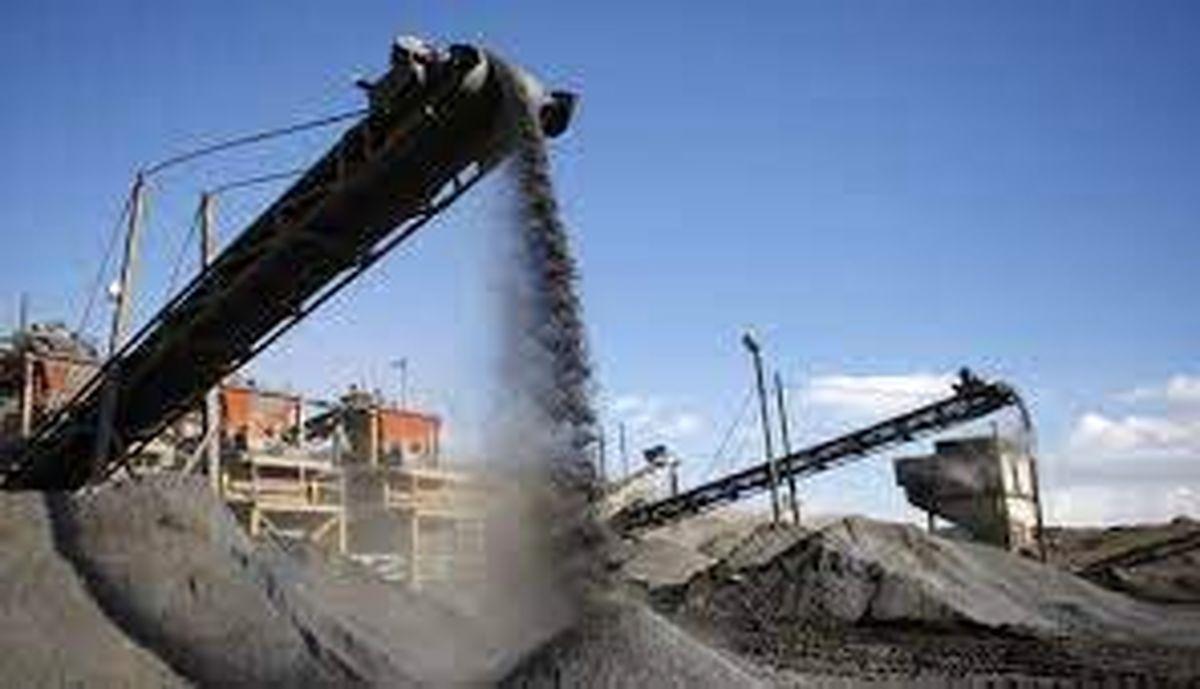 انتقاد از نحوه مدیریت زنجیره آهن و فولاد
