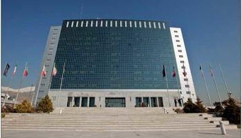 وزارت نیرو در قیمت خرید برق از تولید کنندگان تجدید نظر کند