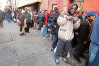 فقر، نابرابری و کرونا در آمریکا/ دو راهی سلامت و رفاه اقتصادی فقرا
