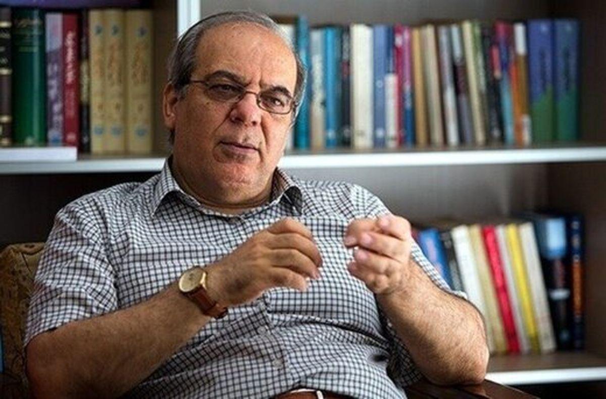 کنایه عباس عبدی به صحبت های احمدی نژاد