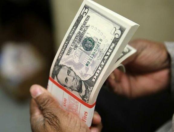 بازگشت دلار به کف قیمت 7ماهه