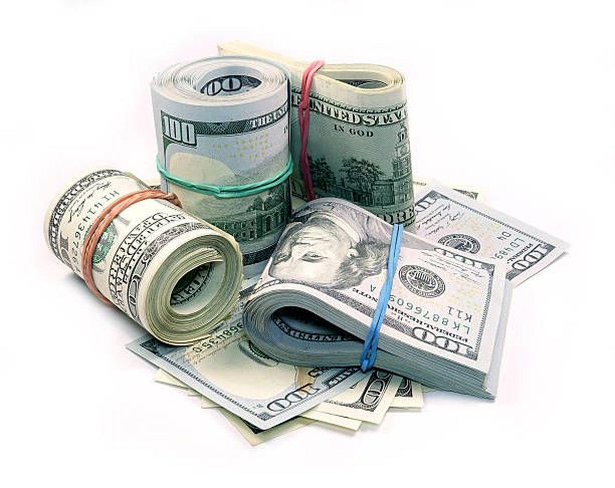 دلار ۱۰۰تومان افزایش یافت/ نرخ بازار آزاد ۲۶۱۰۰تومان رسید