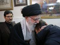 فرزند سردار سلیمانی در آغوش رهبر انقلاب +عکس