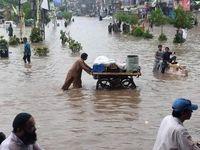 6کشته بر اثر سیل در خیابانهای پاکستان +عکس