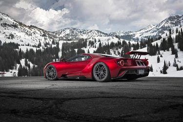 2017-Ford-GT-Front