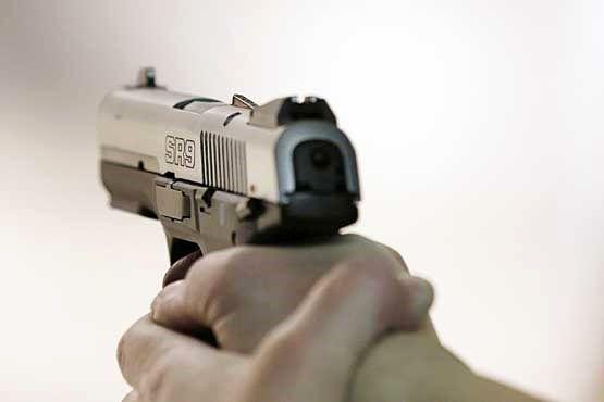 انگیزه شوم مرد غریبه از شلیک به خانه ۲ زن