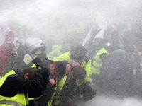 خیابانهای حومه شانزهلیزه یک روز پس از تظاهرات +فیلم