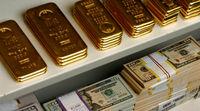 پیش بینی قیمت طلا و دلار برای فردا ۷دی ماه/ بازار طلا و ارز با شیب ملایم در مدار کاهشی