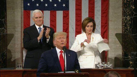 پلوسی متن سخنرانی سالانه ترامپ را پاره کرد