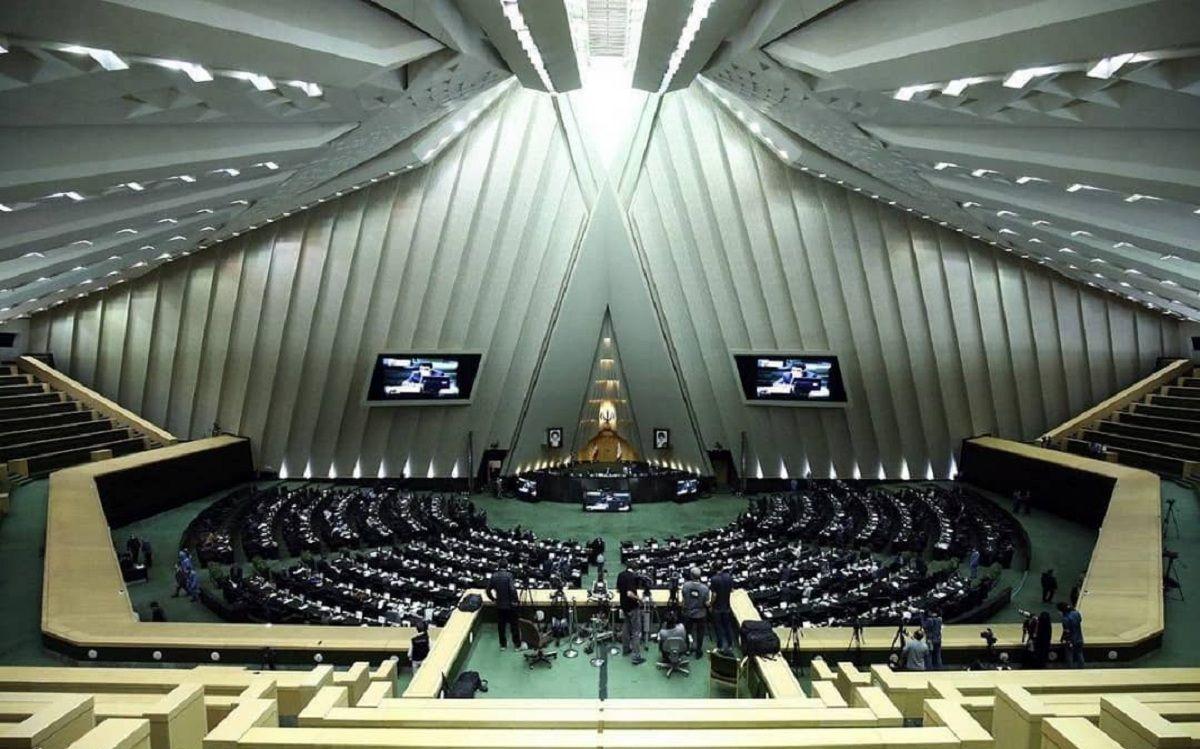 بررسی تهدیدات احتمالی بورس در کمیسیون امنیت ملی مجلس