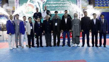 در مسابقات تکواندو ایران روی سکوی قهرمانی ایستاد