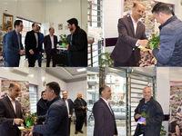 هدیه نهال به مشتریان بانک ایران زمین