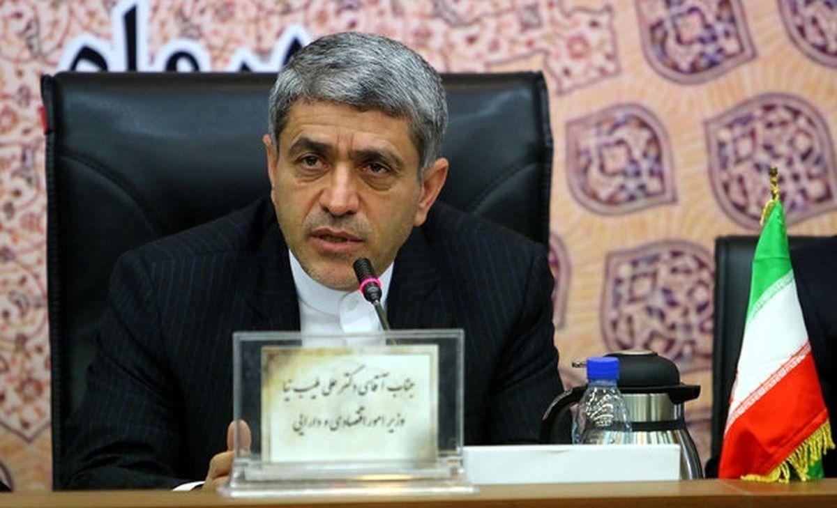 وزیر اقتصاد بدهی ۷۰۰ هزارمیلیاردی دولت را تکذیب کرد