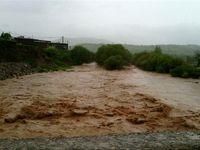 سیلاب دو جاده را در خراسان رضوی مسدود کرد
