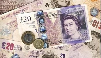 نرخ برابری پوند انگلیس در برابر دلار افت کرد