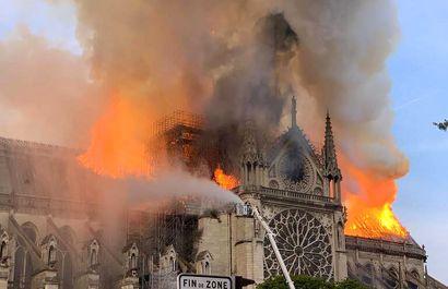 «قلب پاریس» در آتش
