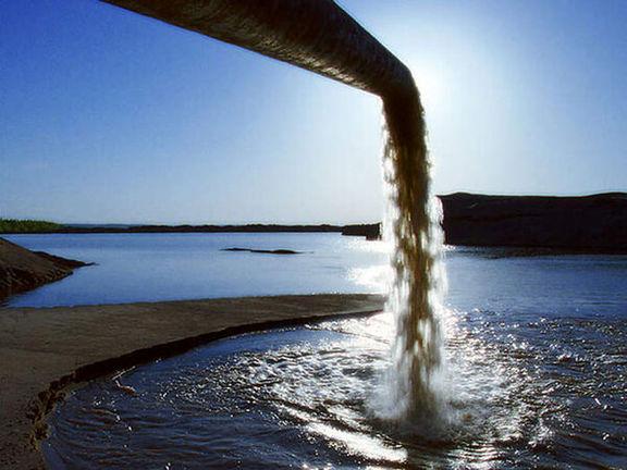 شکایت محیط زیست بوشهر از یک شرکت نفتی به دلیل آلودگی دریا