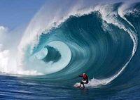 تحقق رویای سواری بر مرتفعترین موج جهان +فیلم