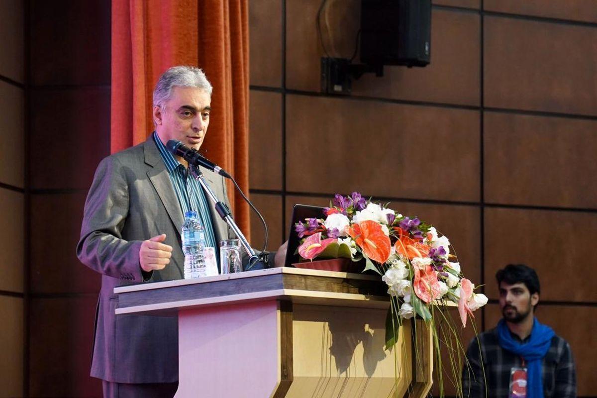 نمایشگاه توانمندیهای استان کرمان در تبریز فرصتی برای جذب سرمایههای راکد است