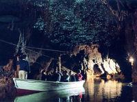 غارهایی که با کرمها شب تاب روشن میشوند +تصاویر