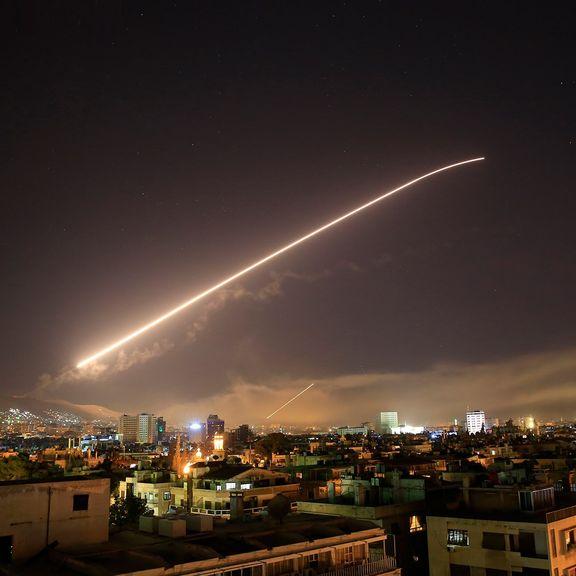 ساقط شدن یکی از موشکهای شلیک شده به سوریه +فیلم