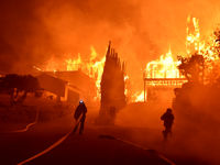 آتشسوزی مرگبار، روسای آتشنشانی و پلیس یونان را بیکار کرد