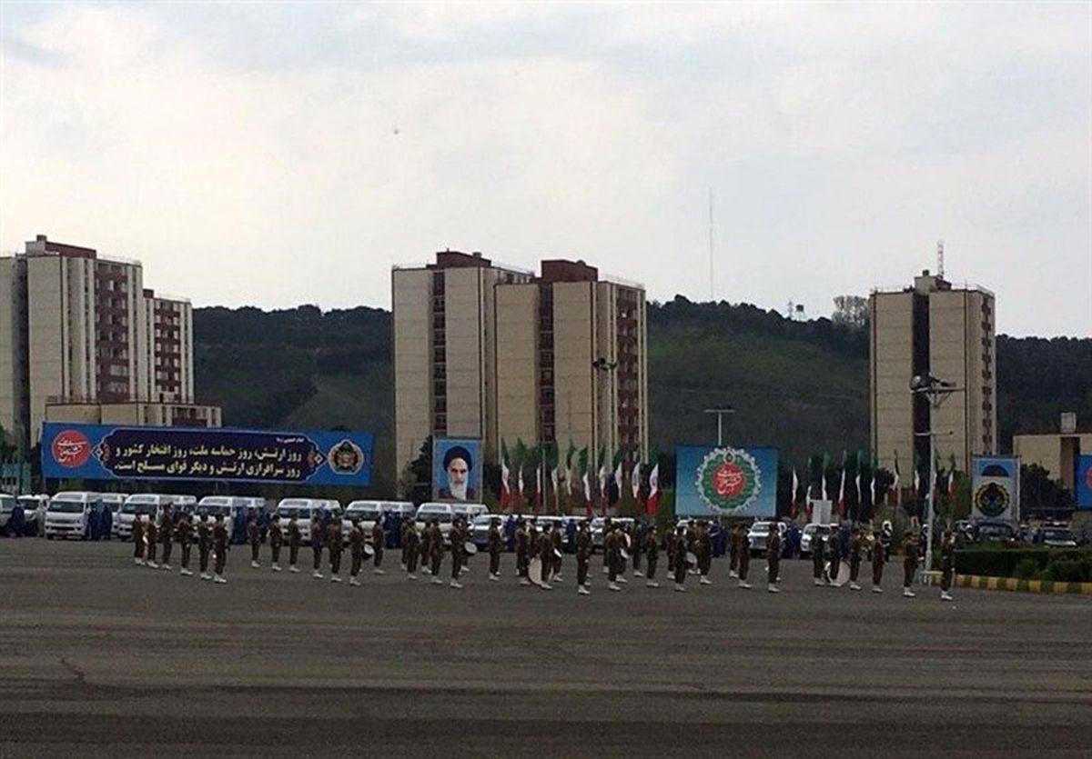رژه خدمت ارتش آغاز شد
