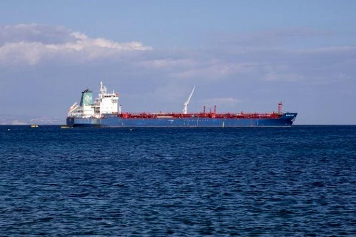 آمریکا نفتکشهای ایران را به تحریم تهدید کرد