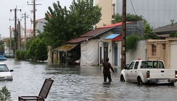 انزلی در آب باران غرق شد +تصاویر