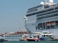 لحظه برخورد دو کشتی در ونیز +فیلم