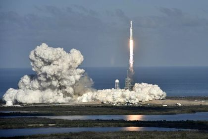 پرتاب موفقیت آمیز قویترین موشک دنیا +تصاویر