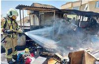آتش سوزی در پشت بام خانه خانواده تهرانی + عکس