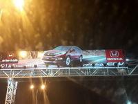 تبلیغات خودروهای ساخت آمریکا در تهران!