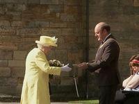 ملکه بریتانیا کلید شهر ادینبورو را دریافت کرد +فیلم