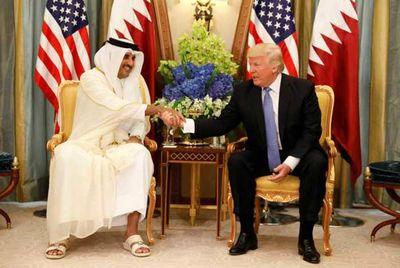 امیر قطر با دمپایی در حضور ترامپ +عکس