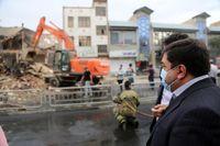 تخریب پاساژ تجاری ناایمن در عبدل آباد