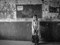 دانش آموزان روستای سیل زده چم مهر  +عکس