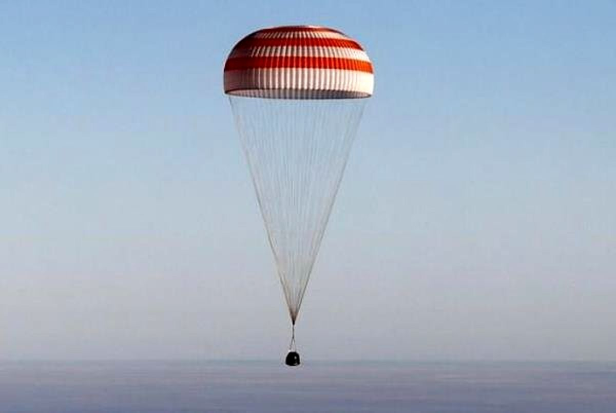 تصاویر بازگشت ۳ فضانورد به زمین +تصاویر