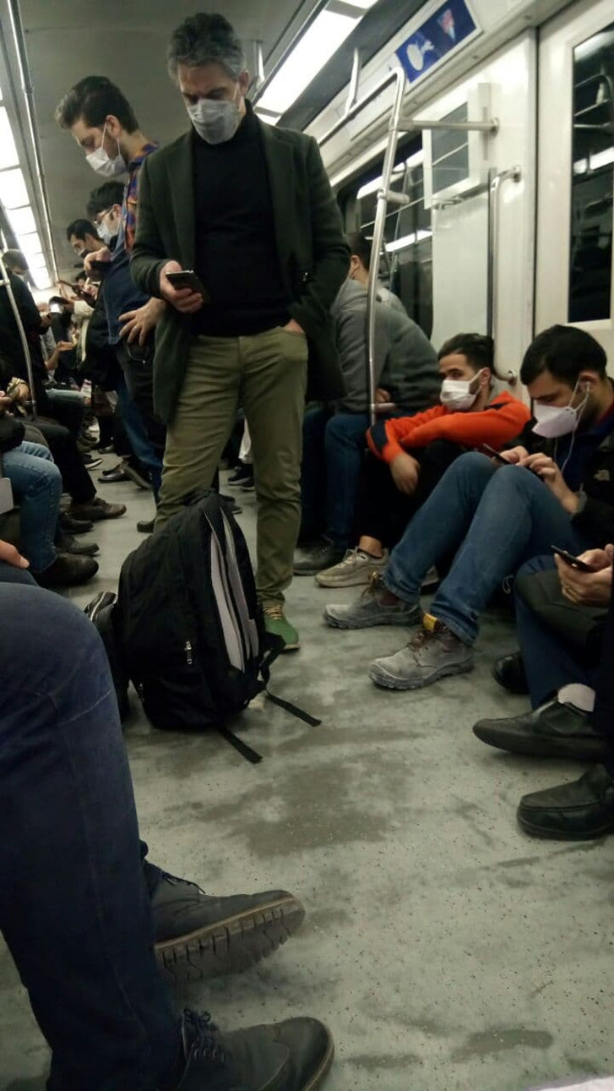 الواقتصادآنلاین/ نقص فنی  در خط دو مترو تهران