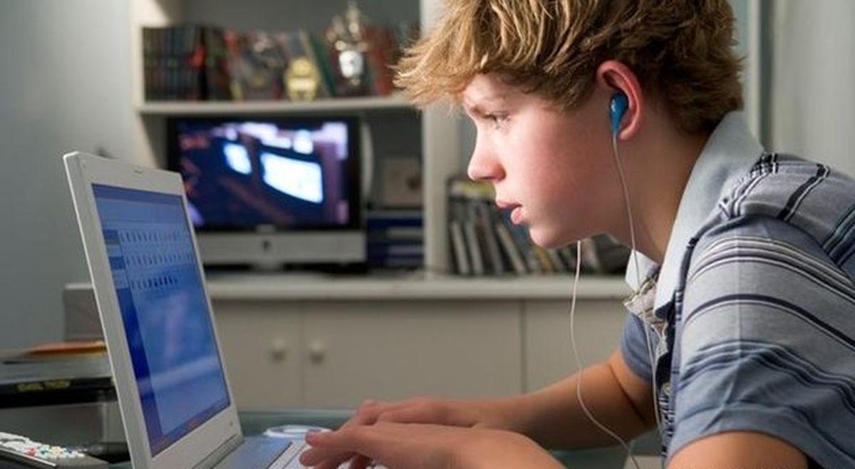 تأثیر یادگیری آنلاین بر سلامت روان نوجوانان