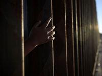 بازگشت فرزندان غیرقانونی مهاجران +تصاویر