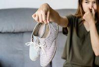 راه حلهای خانگی برای از بین بردن بوی بد کفش