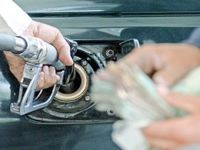 پاسخ یک اقتصاددان به سؤالات رایج مردم درباره گرانی بنزین