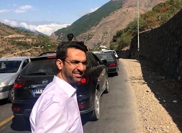 پیادهروی وزیر ارتباطات در جاده چالوس (+عکس)